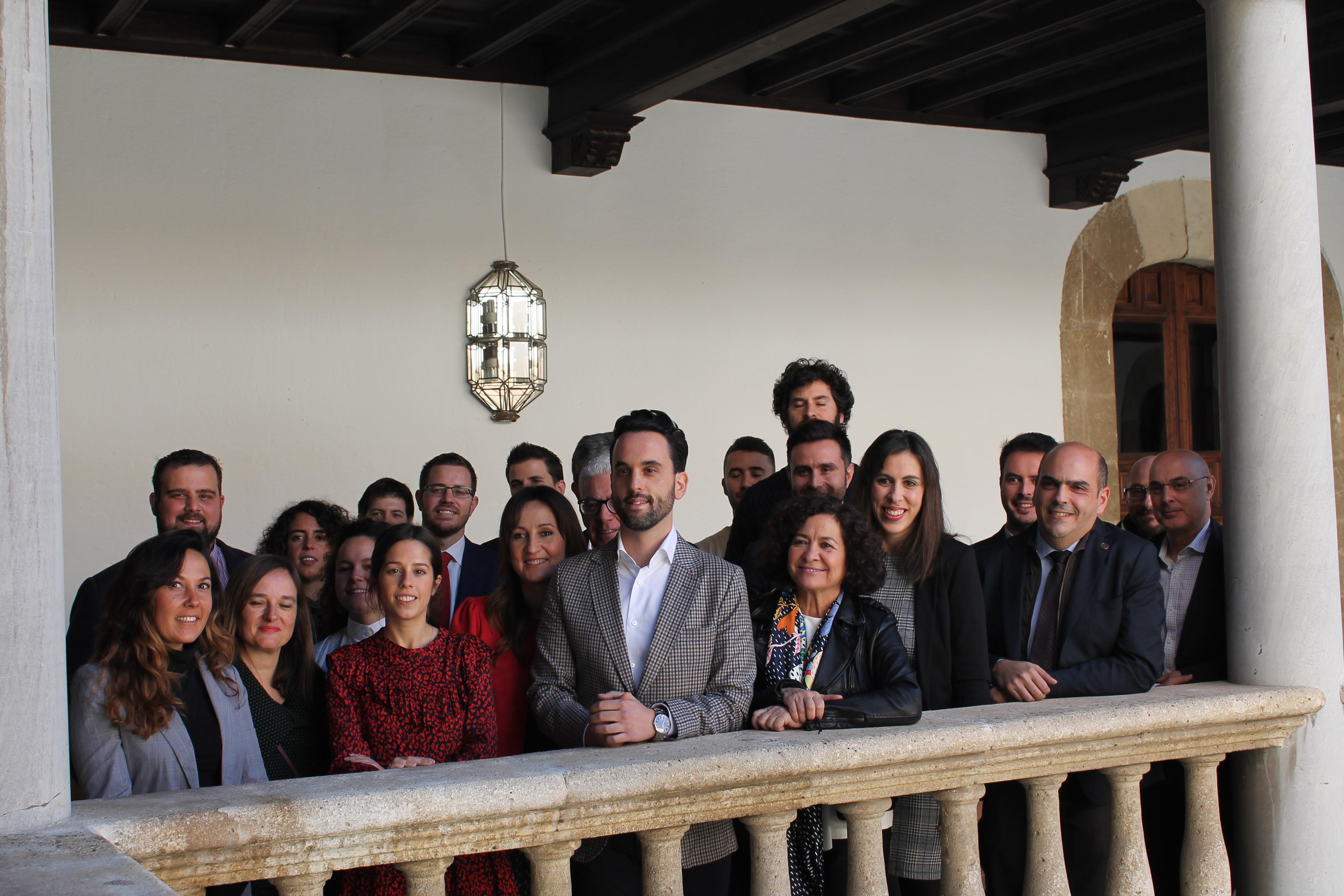Novum en la firma de convenio entre la UGR y la AJE Granada
