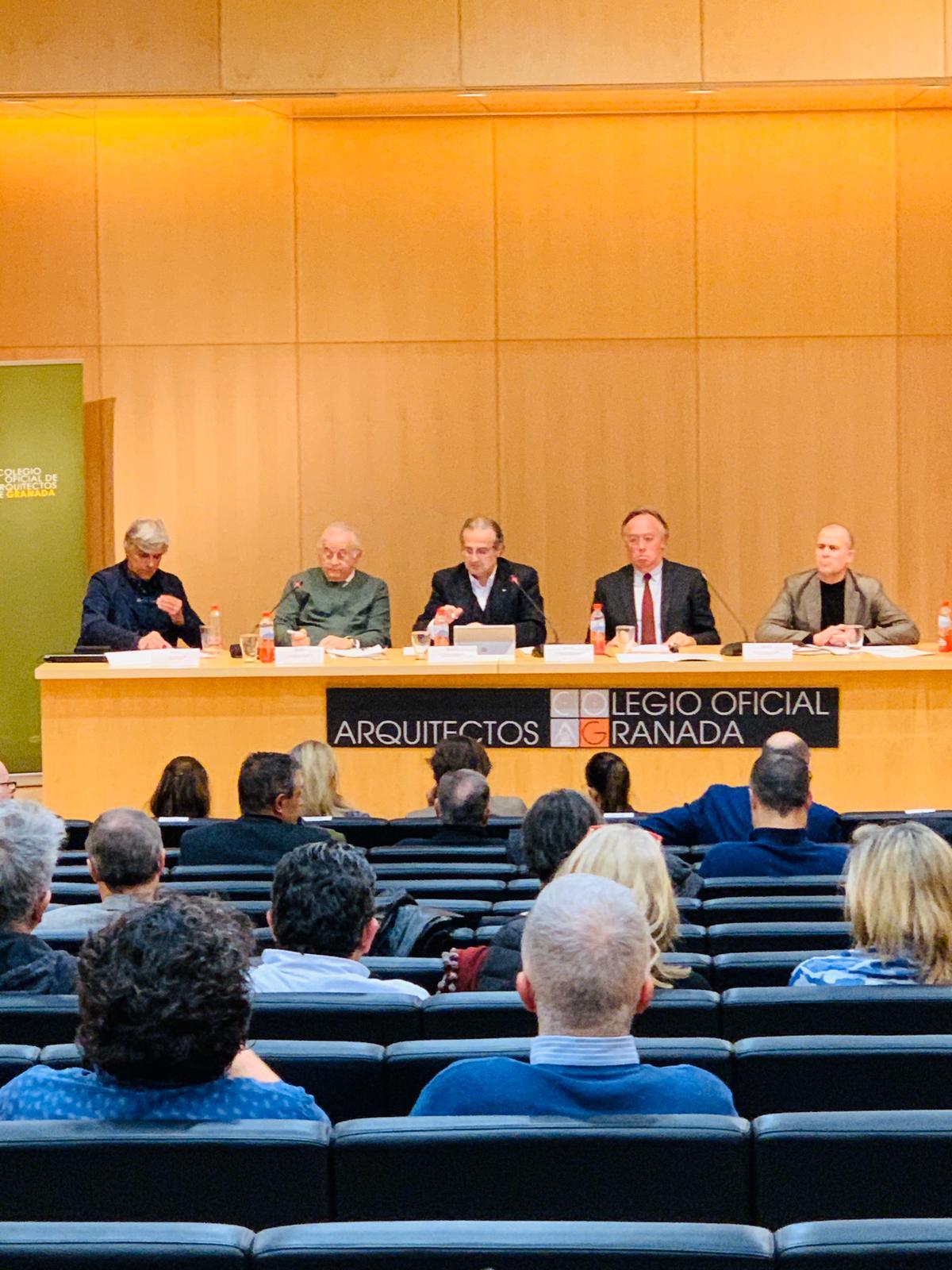 """Novum en una nueva sesión del """"Proceso Participativo de #Granada2031"""""""